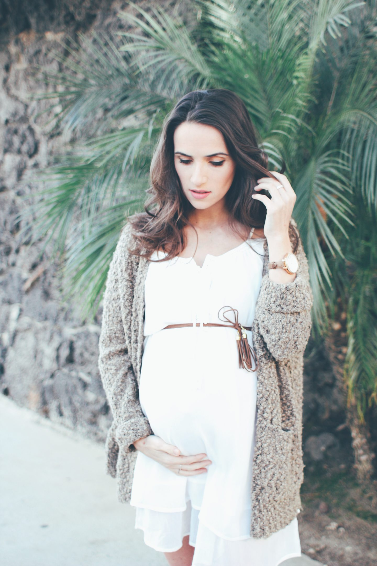 Outfits you can turn into Maternity Clothes straight from your closet! - thecasualfree.com