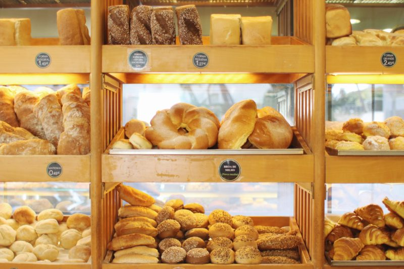 Where To Eat in Cascais, Portugal. Fresh bread at the best bakery in Cascais, Portugal at A Sacolinha. Read on for more! - thecasualfree.com