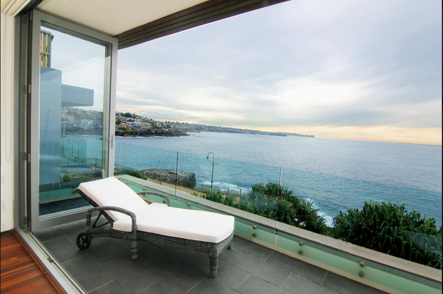 Gorgeous views at Maroubra Beach House - Sydney, Australia on Booking.com - thecasualfree.com