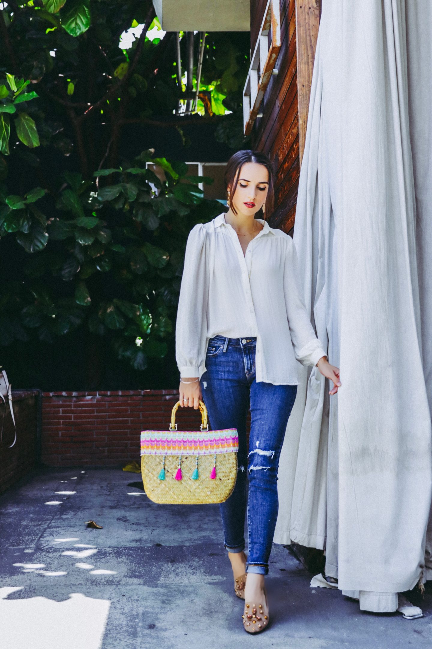 Denim Outfits For Day and Night - Levis Ripped Skinny Jeans Day Outfit - thecasualfree.com