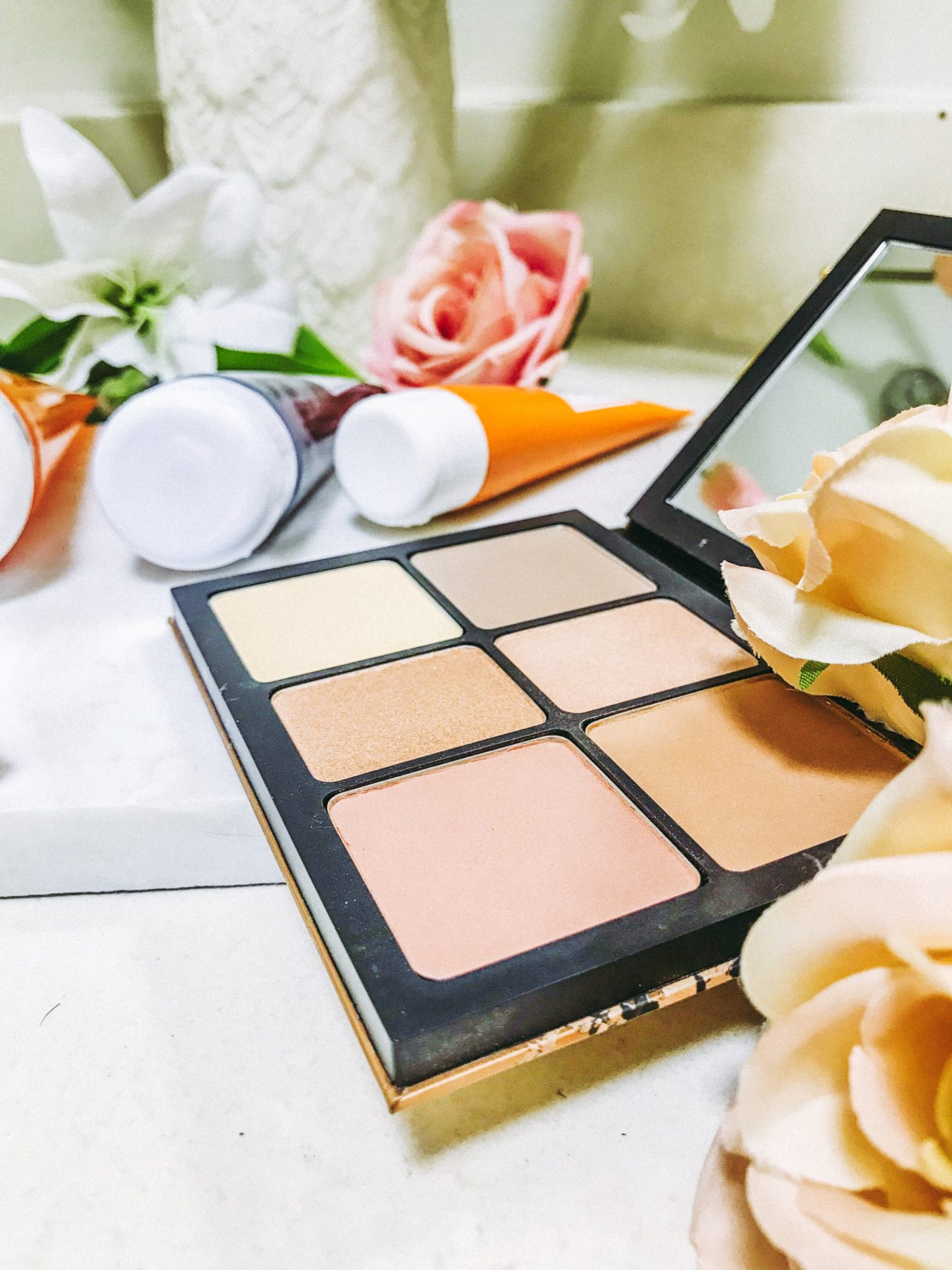 Daily Beauty Routine for Fall - Smashbox Cali Contour Kit - thecasualfree.com