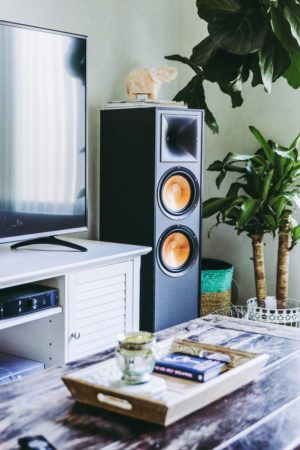 3 Perfect Playlists For Hosting At Home - Klipsch R-820F Speaker System