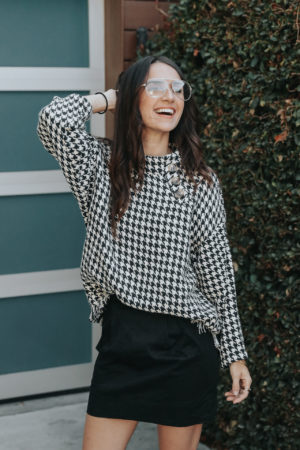 4 Sweater Weather Outfit Ideas - Zara Houndstooth Tweed Poncho Sweater - thecasualfree.com