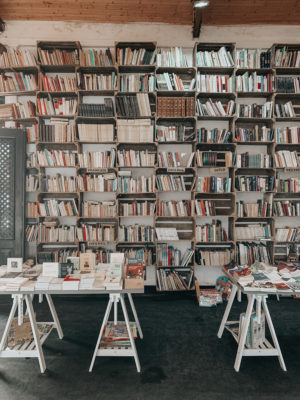 A Day In Óbidos, Portugal - Vintage Bookstore - thecasualfree.com