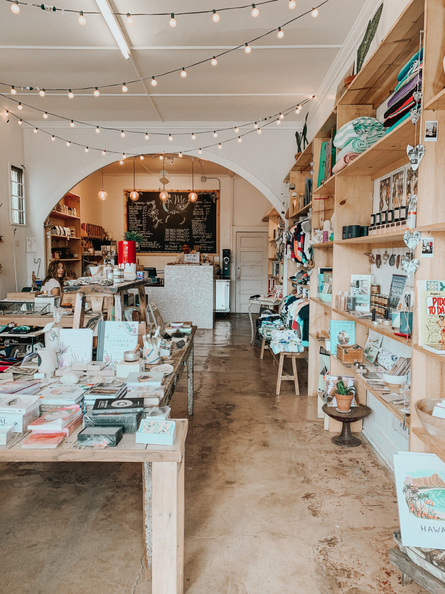 Travel Diary: Maui, Hawaii - Boutiques Paia - www.thecasualfree.com