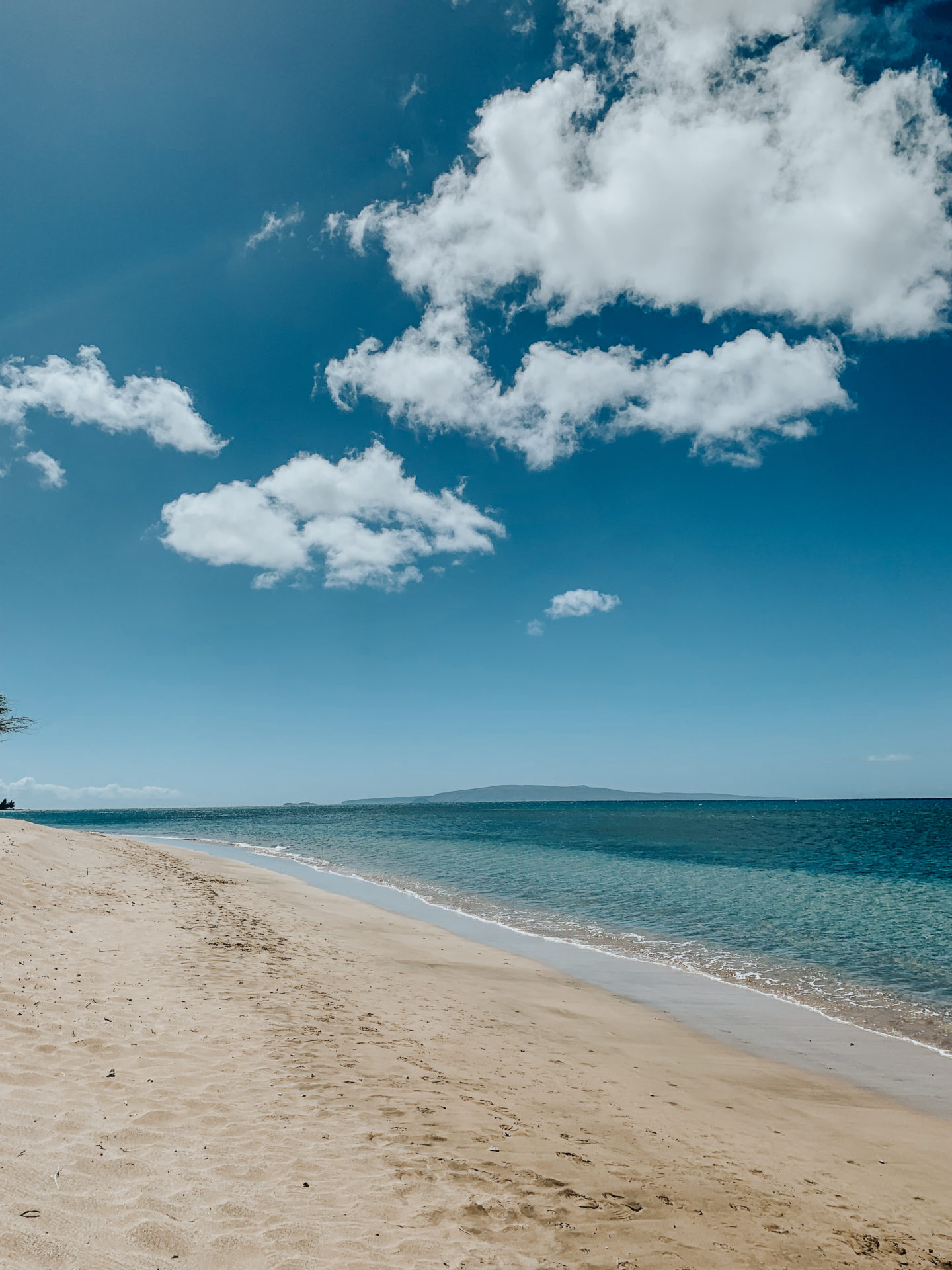 Travel Diary: Maui, Hawaii - Kihei Beaches - www.thecasualfree.com