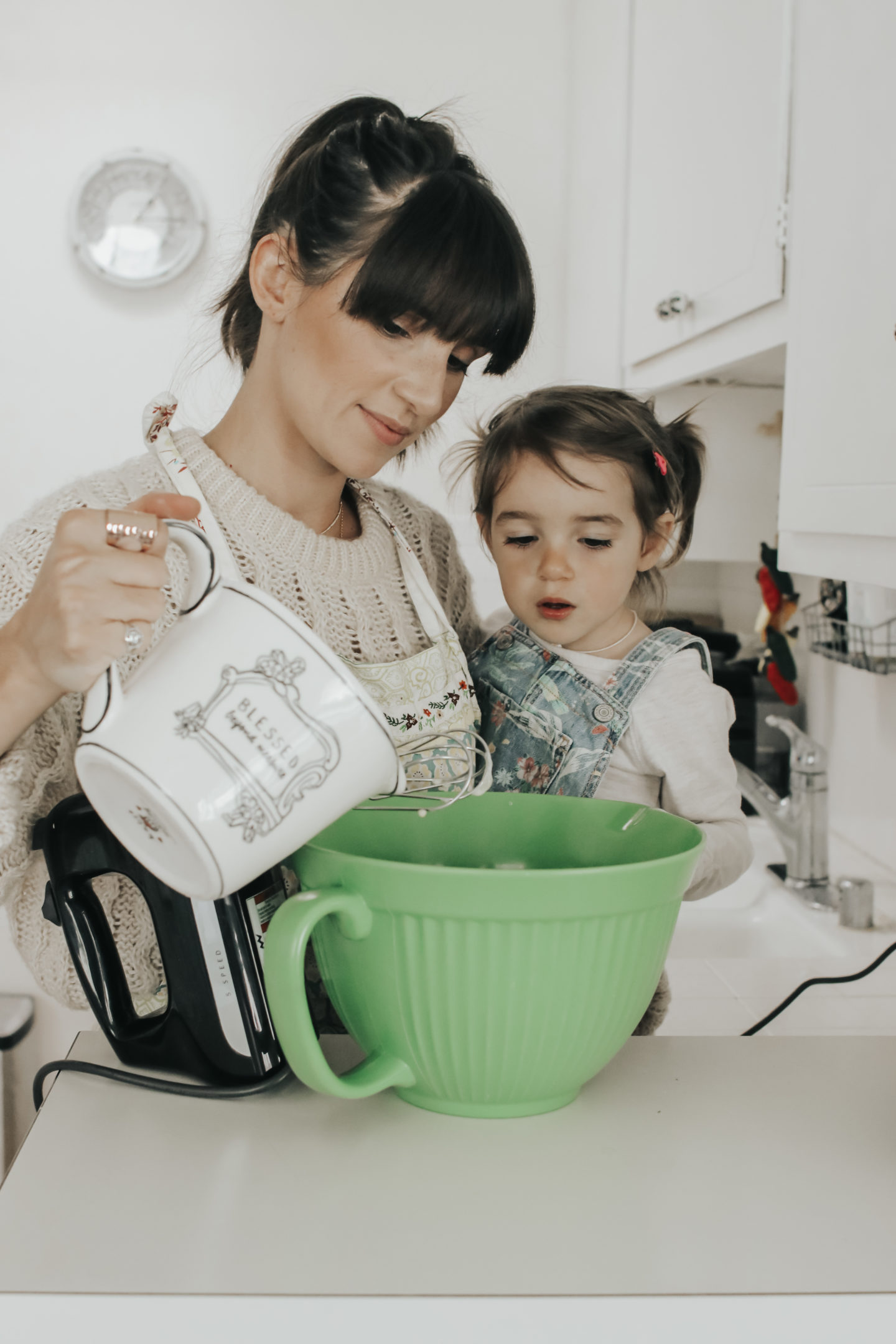 Kitchen Aid Mixer Black Cooking 2