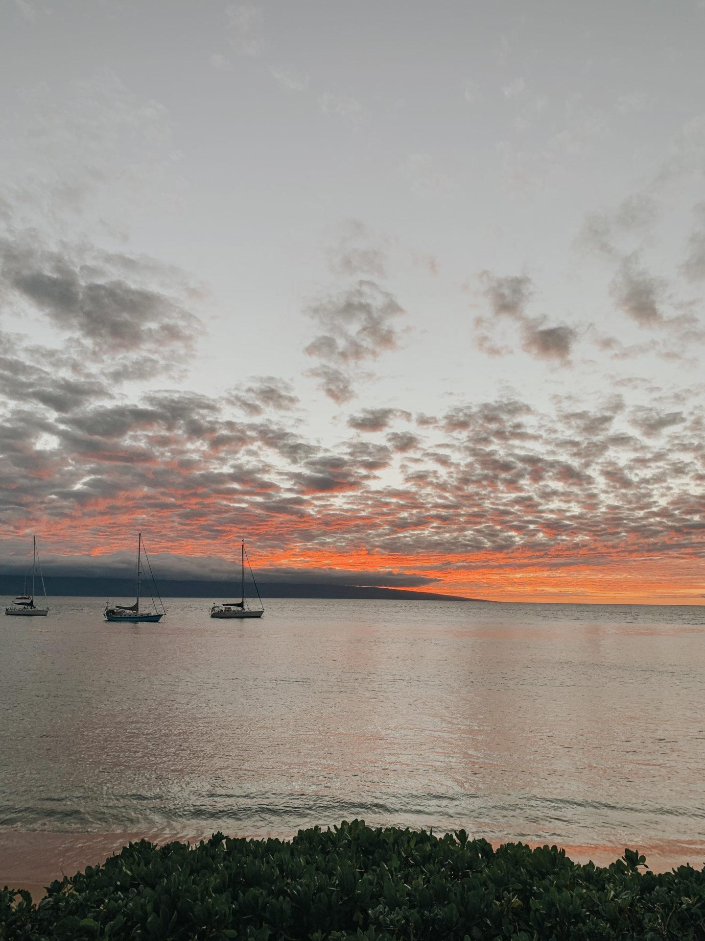 Travel Diary: Maui, Hawaii - Sunset, Lahaina - www.thecasualfree.com